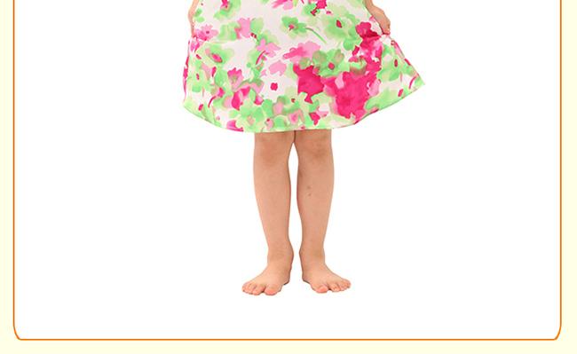 【品牌】Joe-ella 【品名】加拿大Joe-ella蝴蝶结甜美可爱公主连衣裙 【产地】菲律宾 【面料】100%涤纶 【尺寸】100/3A 年龄 身高(cm) 体重(kg) 胸围(cm) 腰围(cm) 100/3A 3岁 91.5-99 14.5-16 54 53 1、欧美童装尺码普遍比国内童装尺码偏小,请购买时选择略大尺码 2、请您根据宝宝实际身高体重选择尺码,年龄大小作为参考 【颜色】白印花 【温馨提示】可冷水手洗,低温熨烫,洗后悬挂晾干。不可漂白。 【品牌介绍】30多年来Joe Eella一直全心